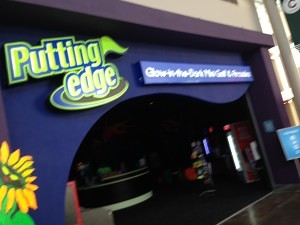 Family Photo Review: Putting Edge Orlando