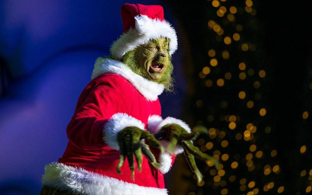 Universal Holiday Tour Offers Frist-Ever Exclusive Holiday Experiences